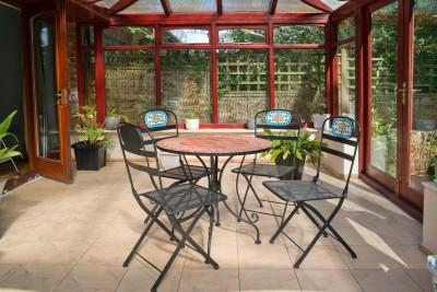 eine terrassen berdachungen selber bauen infowurm. Black Bedroom Furniture Sets. Home Design Ideas