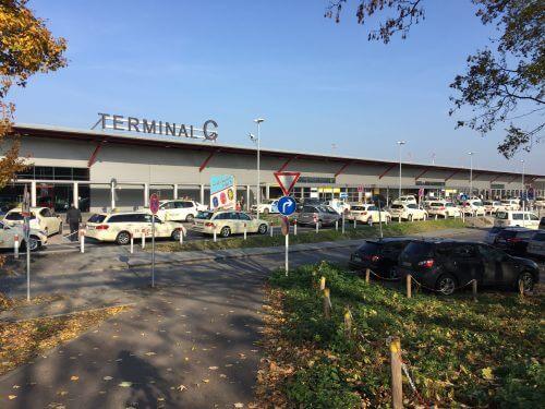 Flughafen parken